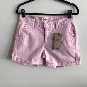 Levi's Women's Classic Chino Shorts in Pink